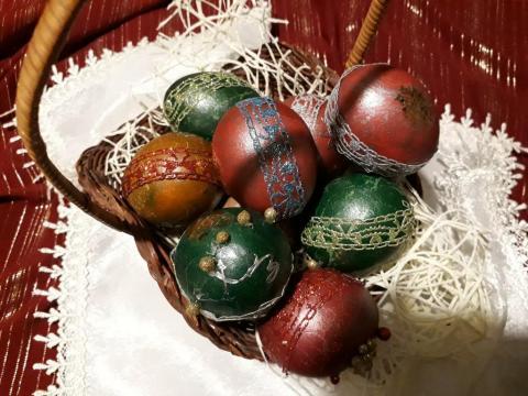 пасхальное яйцо и кружево