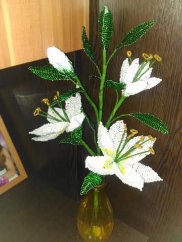Белоснежные лилии для мамы!
