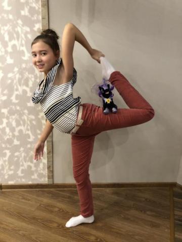 Две гимнастки