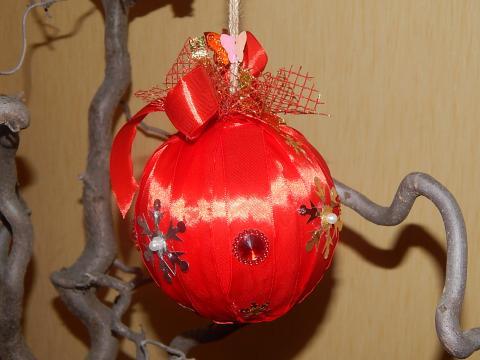 Новогодний шар для украшения елки