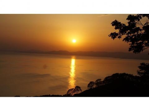 Золотой закат. Поймать такую красоту получается крайне редко - пляж Рица, город Находка