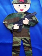 Солдат из ткани